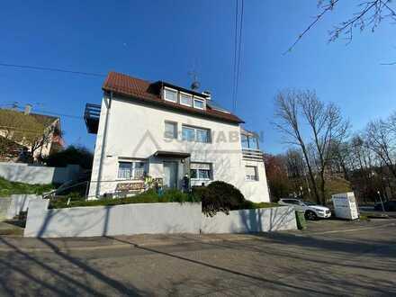++NEU++ Saniertes Einfamilienhaus mit Einliegerwohnung und zwei Garagen zu verkaufen! ++