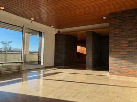 Großzügige Drei-Zimmer-Penthouse-Wohnung mit Blick über die Dächer Unnas