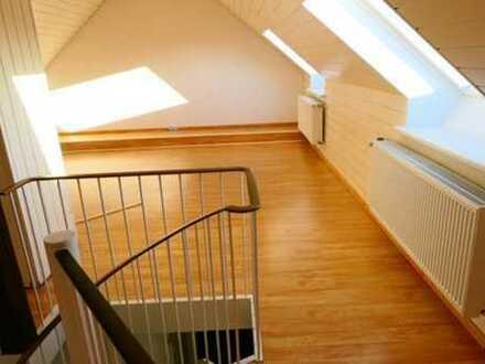 Großzügige Mietwohnung mit Balkon in Hürth-Efferen zu vermieten