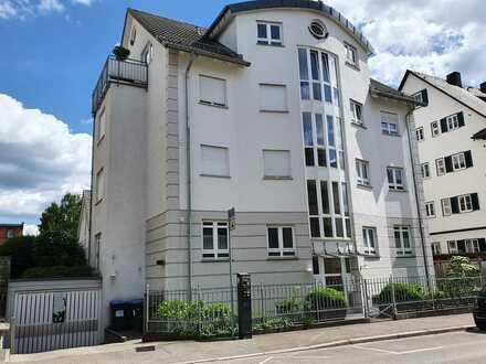 Gepflegte 3-Zimmer-Wohnung mit Terasse und EBK in Reutlingen Oststadt