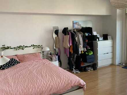 Bright spacious room in heart of Mitte