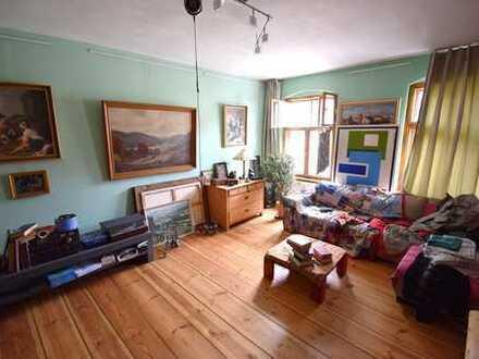 Großzügige 2 Zimmer Altbau-Wohnung in Neukölln.