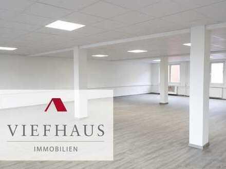 Erstbezug nach Kernsanierung: Helle, offene Bürofläche mit ca. 199m²