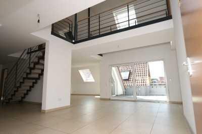 großzügige Dachgeschosswohnung in Citylage in 73230 Kirchheim