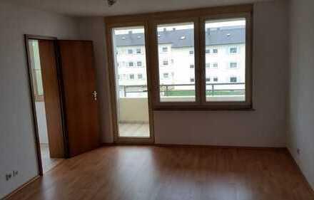 Freundliche 2-Zimmer-Wohnung mit Balkon und Einbauküche in Mössingen