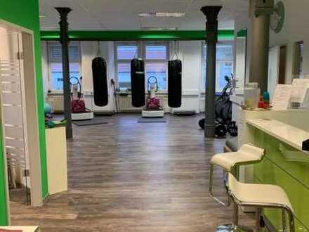 Gut geschnittene Flächen für Praxis, Büro oder kl. Fitnessstudio