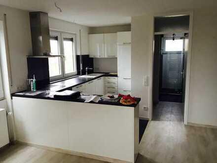 Moderne, vollständig renovierte 2-Zimmer-Wohnung mit Balkon und EBK in Hagnau am Bodensee