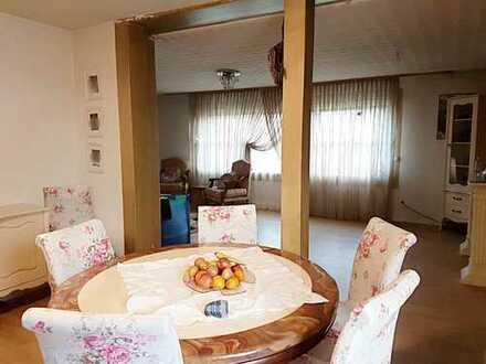 ++ Geräumige 5-Zimmer-Wohnung auf zwei Etagen mit Balkon, Dachterrasse, Garage und EBK in Toplage!++