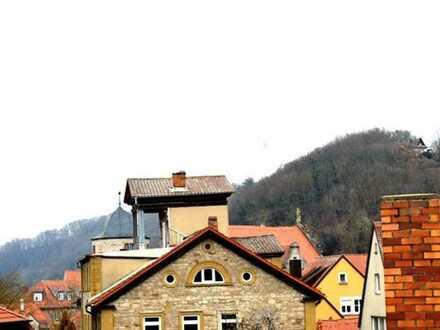 Altes Schulhaus im neuen Glanz! Wohlfühlen im sanierten Denkmal - AB!
