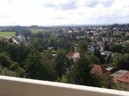 Sofort bezugsfähige 2-Zi. Wohnung mit Balkon und Fernblick