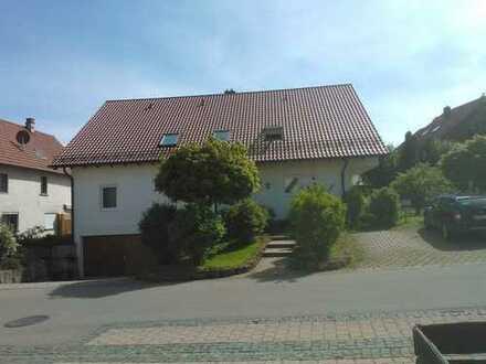Schöne 2,5 Zimmerwohnung in Erkenbrechtsweiler