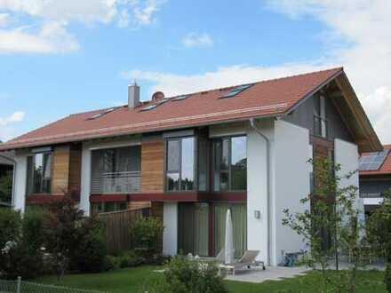 Sonniges Eckhaus mit großem Garten im Müncher Süden