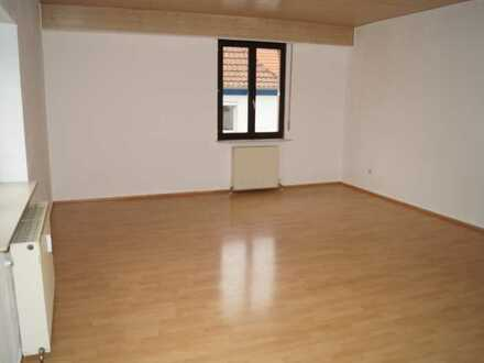 4 ZKB Wohnung mit Holzdecken ohne Balkon - ideal für 1-3 Personen