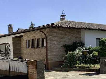 Großzügiges Wohnen auf einer Ebene -Bungalow mit gut geschnittener Wohnfläche auf 182 qm