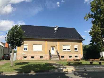 Landlust auf 6.000 qm - solides Landhaus mit Ausbaupotenzial - Mehrgenerationenhaus