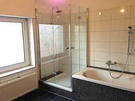 77qm sanierte Altbauwohnung mit Tageslichtbad *provisionsfrei*