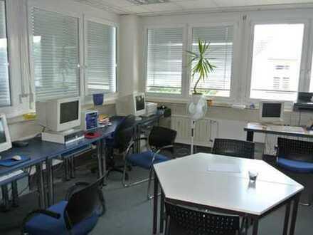 Gepflegte Büroetage im Zentrum von Esslingen mit TOP-RENDITE von 6,8 % p.a.