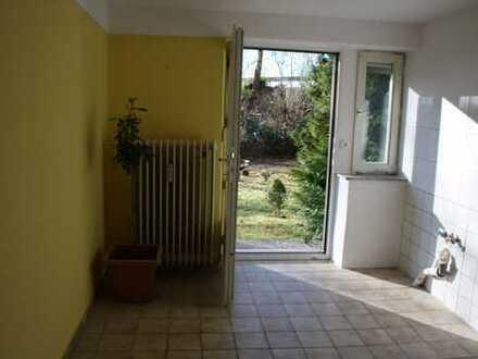 Pirmasens, Bismarckstraße: Sanierte 2-Zimmer Wohnung mit Terasse in bester Lage