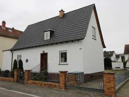 Einfamilienhaus mit Terrasse und großem Garten in Altrip
