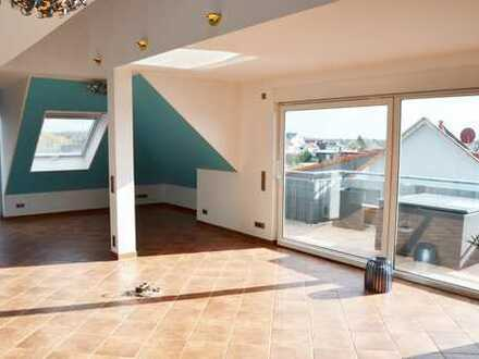 Exklusive Maisonette-Wohnung mit Dachterrasse zwei Balkone und Einbauküche -Provisionsfrei-