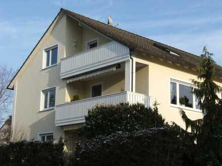 Helle DG-Wohnung mit Balkon