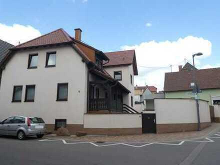 ++ Freistehendes und gepflegtes 1-2 Familienhaus mit Hof, Doppelgarage und Garten (Bauplatz) ! ++