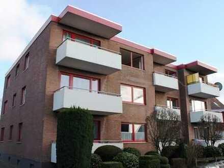 CENTURY 21: 2 Zimmer Wohnung mit Balkon und Einbauküche in Bad Zwischenahn