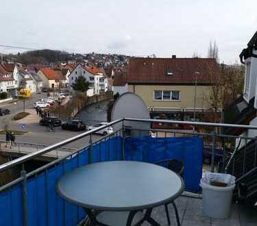 Exklusive, neuwertige 3,5-Zimmer-Maisonette-Wohnung mit Balkon und EBK in Wannweil