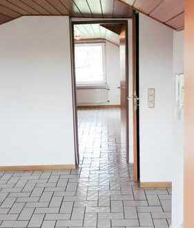 Schöne zwei Zimmer Dachgeschoßwohnung in Maintal-Dörnigheim