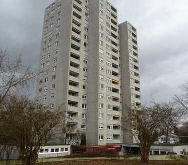 Sofort beziehbare 4 Zi. Wohnung mit Balkon und Garage