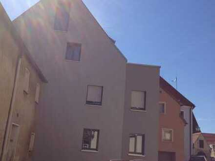 Ihre ganz besondere 2-Zimmer-Wohnung mit Einbauküche und Terrasse im Herzen von Amberg