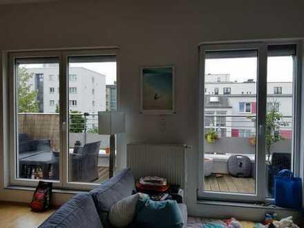 Sonnige 4 Zimmer Dachgeschoss Wohnung mit Balkon und Stellplatz