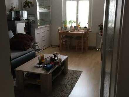 Gepflegte 2,5-Zimmer-DG-Wohnung mit Balkon und EBK in Zwickau Mitte Nord