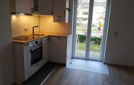 Stilvolle, gepflegte 2-Zimmer-Hochparterre-Wohnung mit Einbauküche in Untermenzing, München