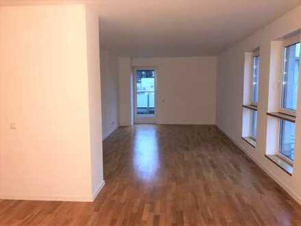 Moderne 3 Zimmer Mais. Whg. mit EBK, Gäste WC, Fußbodenheizung und S/W Terrasse