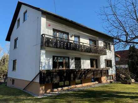 Modernisierte 3-Raum-Dachgeschosswohnung in Allershausen