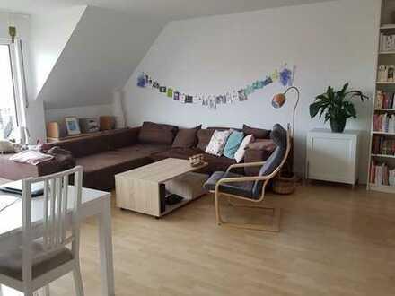 Charmante 3-Zimmer-Maisonette-Wohnung mit Balkon in Lövenich, Köln