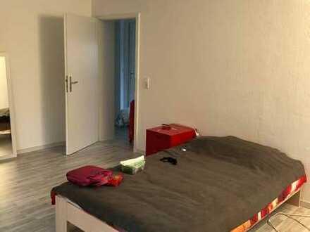 Grosses helles Zimmer mit oder ohne Möbel