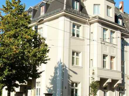 Große, sonnige 3 Zimmer Wohnung komplett saniert 2021
