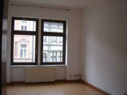Großzügige 2 Zimmerwohnung am Karlsplatz