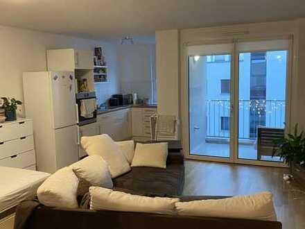 Geräumige 1-Zimmer-Wohnung mit Balkon und EBK in Stuttgart