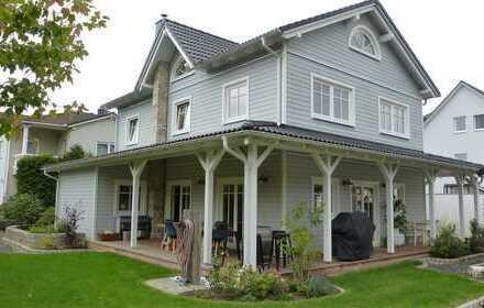 Einfamilienhaus New England Stil in ruhiger Feldrandlage