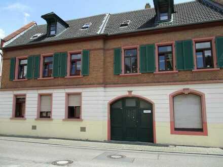 Sanierte 2 Zimmer Wohnung im Herzen von Mainz Laubenheim