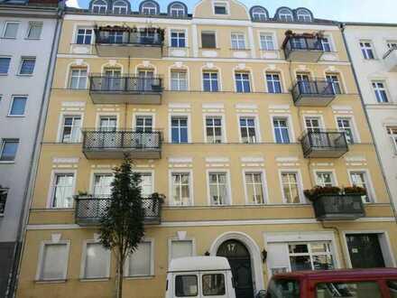 Unmittelbare Nähe Boxhagener Platz/Helle Wohnung mit gutem Grundriss in gepflegtem, sanierten Altbau