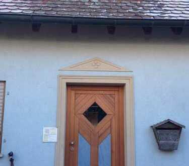 Gepflegte 5-Zimmer-Wohnung mit Balkon in Pommersfelden