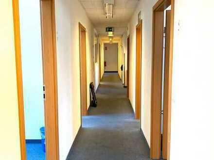 Sehr gepflegte Büro-, Schulungs-, Kanzlei- oder Praxisräume, von privat
