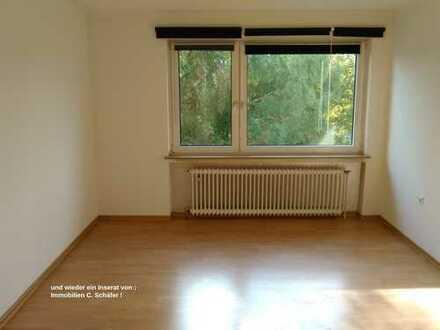 Südliche Innenstadt, am Westfalenpark ! Gepfl. 3,5 Zimmer EG Wohnung mit 2 Balkonen !