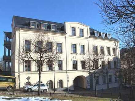 Wohnen im Zentrum von Lengenfeld - Sanierte 2-Raum-Wohnung mit Aufzug und Balkon