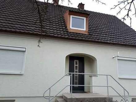 Schönes, geräumiges Einfamilienhaus mit vier Zimmern in Baar-Ebenhausen