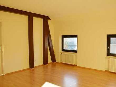 Gemütliche 2,5-Zimmer Wohnung im 2. Obergeschoss in Zentrumsnähe von Neustadt